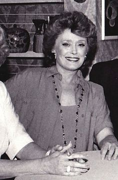 Rue Mcclanahan, Blanche Devereaux, La Girl, Golden Girls, Role Models, Actresses, Clothes, Diana, Comedy