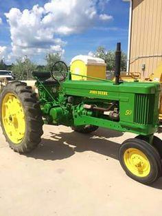 JOHN DEERE 50 Antique Tractors, Old Tractors, John Deere Tractors, John Deere Party, Good Ole, Farm Life, Farming, Party Ideas, Classic