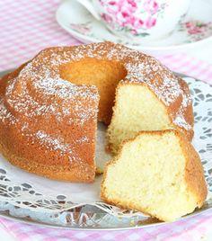 Saftig sockerkaka – Lindas Bakskola Baking Recipes, Cookie Recipes, Zeina, Bun Recipe, Cornbread, Biscuits, Cheesecake, Cupcakes, Sweets