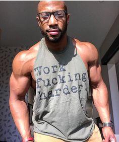 Black Bearded Men Black Men Beards, Beard Look, African American Men, Transformation Body, Male Body, Bearded Men, Build Muscle, Beautiful Men, Sexy Men