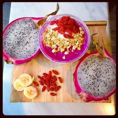 #Regram from @liquidnutritionguyconcordia -  Come try one our yummy Dragon Fruit bowls!  Dragon fruit is low in cholesterol, high in antioxidants and a great source of fiber!  #Organic #DragonFruit #Pitaya #LiquidNutrition #vegansofig #plantbased #glutenfree #soyfree #dairyfree #vegan #biologique #pitahaya #smoothiebowl #dragonfruitbowl #acaibowl #smoothie #organicsmoothie #organicjuice #juice #cleanse