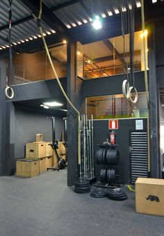 A home gym is a great method to save loan. Have a look on top home gym ideas in addition to little workout area ideas for your home. Home Gym Garage, Gym Room At Home, Basement Gym, Home Gym Design, House Design, Gym Interior, Interior Design, Crossfit Home Gym, Gym Architecture