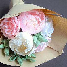 This week I'm thankful for the opportunity to meet and work with fellow local creatives who inspire and motivate me to be a better artist and person!  . In other news, Mother's Day Bouquets are on their way! Stay tuned for more to come this month  . #paperpeonies #crepepaperpeonies #paperart #paperpeony #paperbouquet #crepepaper #crepepaperflowers #crepepaperbouquet #handmadeflowers #handmadeblooms #keepblooming #peonybouquet #paperflorist #paperflowers #madewithpaper #madeinsingapore #...
