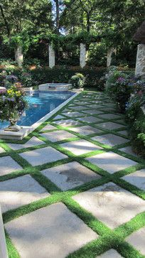 Patio ideas Secluded Private Retreat - patio - dallas - Harold Leidner Landscape Architects @}-,-;—