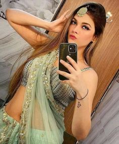 Delhi Girls, Indian Girls, Simply Beautiful, Sari, Formal Dresses, Hair Styles, Hot, Model, Beauty