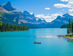 Maligne Lake, Jasper Alberta.  So beautiful!