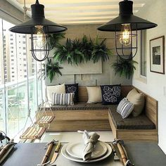 Enjoy the Four Seasons Outdoors with Glass Balcony Decoration - Decology - Home Decoration Ideas Blo Small Balcony Decor, Glass Balcony, Balcony Ideas, Patio Ideas, Small Patio, Pergola Ideas, Apartment Balcony Decorating, Apartment Balconies, Living Room Designs