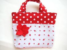 Sewing Patterns for Girls Dresses and Skirts: Adorable Reversible Bag for Girls (Free Sewing Pattern)  Tutorial, DIY, craft, instructions, how to, bag, tote, purse, fabric, sew,