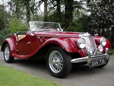 I have always loved these types of cars! My dream car - 1954 MG TF 1250 Vintage Sports Cars, British Sports Cars, Classic Sports Cars, Retro Cars, British Car, Automobile, Mg Cars, Roadster, Classy Cars