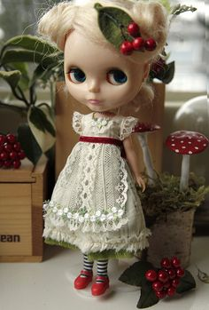 Winter's Bride Dress for Blythe by tinyhaus on Etsy