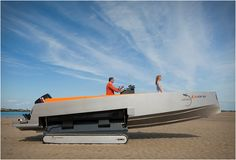 Iguana 29 has fully integrated retractable caterpillars on the sides of the hull without damaging aesthetics or performance of the boat. The amphibious boat is perfect for when the tide goes down and one has to navigate between sandbanks, rocks and currents