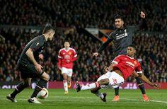 Blog Esportivo do Suíço:  United pressiona, mas golaço de Coutinho confirma Liverpool nas quartas da Liga Europa