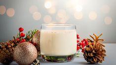 Vánoční recepty na cukroví, vaječný koňak avánočku od Ivety Fabešové - Novinky.cz Glass Of Milk, Drinks, Food, Drinking, Beverages, Essen, Drink, Meals, Yemek