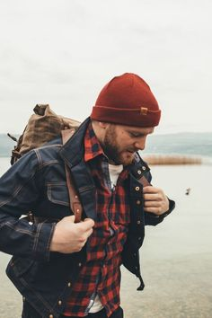 Fall and Summer hipster hiking look. Outdoor Wool beanie outfit for men. - Fall and Summer hipster hiking look. Outdoor Wool beanie outfit for men. Fall and Summer hipster hiking look. Outdoor Wool beanie outfit for men. Beanie Outfit, Rugged Style, Mens Outdoor Fashion, Mens Fashion, Fashion Edgy, Fashion Beauty, Bonnet Outfit, Style Brut, Lumberjack Style