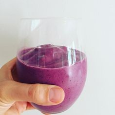 How good does this icy berry superfood smoothie look!! It tasted even better…
