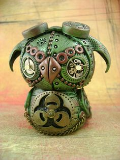 Mechanical Owls - POTTERY, CERAMICS, POLYMER CLAY  http://www.craftster.org/forum/index.php?topic=412945.0#axzz36gc9REEk