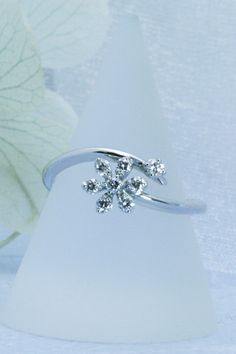 可憐なお花のリング。 Engagement Rings, Jewelry, Fashion, Enagement Rings, Moda, Jewels, Fashion Styles, Schmuck, Anillo De Compromiso