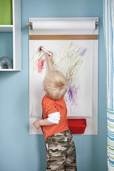 we have an easel but not the space for it - this is a fabulous idea!