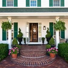 You could make the steps out of cement and cover the concrete porch and steps with faux brick from home improvement store. Brick Porch, Concrete Porch, Most Beautiful Gardens, Beautiful Homes, Front Porch Steps, Front Deck, Front Entry, Brick Steps, Door Steps
