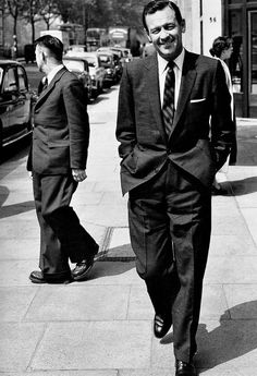William Holden In London After Five Months Filming The Bridge On The River Kwai In Ceylon 1957 Holden Movie Stars Classic Hollywood