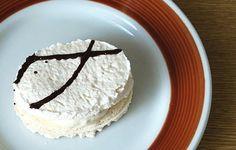 Laskonky - Kluci v akci Czech Desserts, Meringue Pavlova, Little Cakes, International Recipes, Vanilla Cake, Tea Time, Cookie Recipes, Food And Drink, Sweets