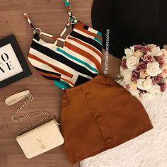 Viria, Ideias Fashion, Fashion Outfits, Instagram, Bags, Fashion Clothes, Blouse Models, Handbags, Fashion Suits