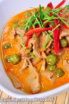 Asian Recipes, Healthy Recipes, Asian Foods, Eat Thai, Low Carb Brasil, Cooking Restaurant, Thai Curry, Thai Street Food, Thai Cooking