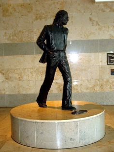 Liverpool Monuments: Beatles, John Lennon  (7)