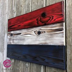 The wood flag is Red, White and Blue yes, but this one is for our Dutch friends! x Shou Sugi Ban version of the 🇳🇱. And new addition to the shop! Metal Wall Decor, Metal Wall Art, Wood Art, Plywood Projects, Woodworking Projects Diy, Wood Resin Table, Wood Box Centerpiece, Charred Wood, Wood Flag