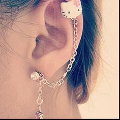 Cartlidge piercing and cute hello kitty earring I want thisss!