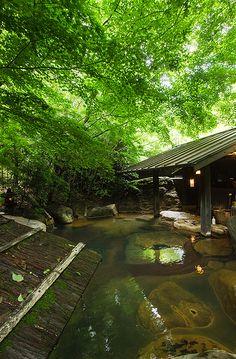 Hot Spring Bath at Sanga Ryokan, Kurokawa Onsen, Kumamoto Japanese Landscape, Japanese Architecture, Japan Kultur, Kurokawa Onsen, Japanese Hot Springs, Zen, Japanese Bath, Garden Villa, Outdoor Baths