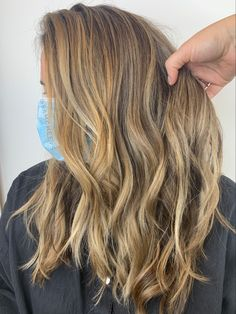 Warm honey blonde highlights for natural brown hair types Brunette To Blonde, Blonde Hair, Types Of Blondes, Natural Brown Hair, Brown Hair With Blonde Highlights, Balayage Hair, Hair Type, Hair Color, Hair Beauty