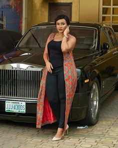 African styles relays the identity and cultural values of this exceptional region with the help of luxurious fabrics, prints, colorations, diverse designs, and styles. Long African Dresses, Latest African Fashion Dresses, African Print Dresses, African Print Fashion, Africa Fashion, African Fashion Traditional, Mode Kimono, Plus Zise, African Attire
