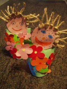 jarní skřítek Spring Art, Spring Crafts, Flower Crafts, Princess Peach, Jar, Crafty, Christmas Ornaments, Holiday Decor, Flowers