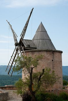 Goult, Vaucluse, Provence, France windmill!!! Bebe'!!! Really modern windmill with a pointed roof!!!
