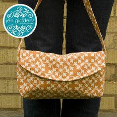 Cute simple flapped purse.