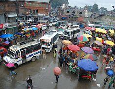 श्रीनगर, 20 अप्रैल (वार्ता) जम्मू कश्मीर के सीमावर्ती जिले कुपवाड़ा में पिछले सात दिनों से जारी कर्फ्यू हटा लिये जाने बाद सामान्य जनजी��