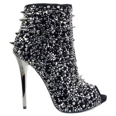 Such a sexy weapon....who wouldn't want to die by this Gianmarco Lorenzi stunner!!