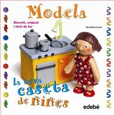Amb aquest llibre de manualitats, els nens s'ho passaran d'allò més creant figures, mobles i accessoris per a una casa de nines.  De Bernadette Cuxart. Edebé.