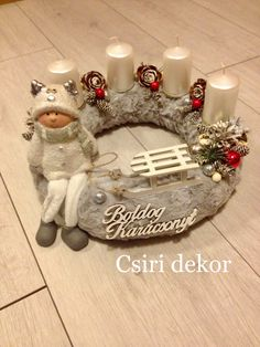 Adventi koszorú Christmas Decorations, Christmas Ornaments, Holiday Decor, Winter Christmas, Xmas, Diy Wedding Shoes, Advent Wreath, Ikebana, Centerpieces