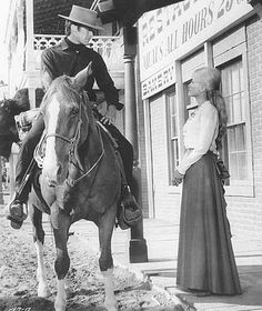 Clint Eastwood and Inger Stevens, Hang em High Clint Eastwood, Eastwood Movies, Western Film, Western Movies, Inger Stevens, Real Life Heros, Movie Stars, Movie Tv, Katharine Ross