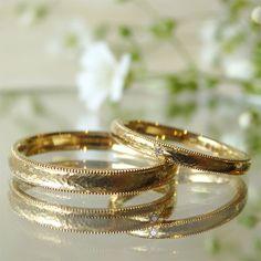 細かい槌目にミルグレインをあしらった、お二人ならではの結婚指輪  [marriage,wedding,ring,bridal,K18,マリッジリング,結婚指輪,オーダーメイド,槌目,ミル打ち,ウエディング,ith,イズマリッジ]