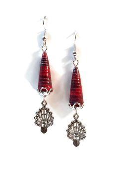 Boucles d'Oreilles Pendantes - Paon - Perles en Papier - Rouge : Boucles d'oreille par cap-and-pap