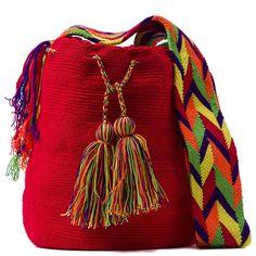 comprar bolso wayuu en madrid, wayuu, croche, bolsos hecho a mano, producto artesanal, bolsos tribales, tribalchic, tribal, bolso artesanal, bolso wayuu, bolsos wayuu, algodon, colombia, bolsos, hecho a mano Crochet Handbags, Trendy Accessories, Quilted Bag, Cotton Bag, Everyday Outfits, Jute, Drawstring Backpack, Bucket Bag, Pouch