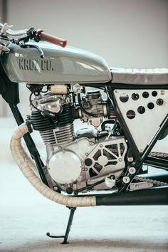 yamaha sr400 Kruz motorcycles
