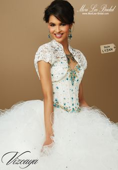 Style LYZAN CONTRASTING BEADING AND EMBROIDERY ON LACE. Matching Bolero Jacket. Available in Ivory/Turquoise, Nude/Garnet, Ivory/Pink, White. Precio: $ 3.753.750 Pesos Colombianos Precio: $ 1.137,5 Dólares Americanos