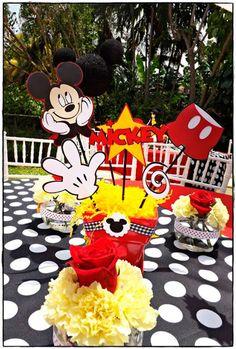 mickey no tema de aniversario