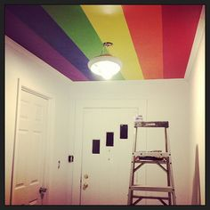 An awesome way to brighten up a room without crowding it with color. If only ceiling painting weren't the worst thing ever. Rainbow Room Kids, Rainbow Kitchen, Rainbow Bedroom, Rainbow House, Teen Room Designs, Small Home Offices, Traditional Bedroom Decor, Tiny House Design, Room Paint