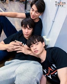 ― Đào Linh( 「We are like Dominoes, I fall for you and you fall for someone else Korean Couple, Best Couple, Falling For Someone, Lgbt Love, Cute Gay Couples, Get A Life, Thai Drama, Drama Series, Asian Actors