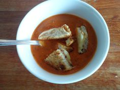 Spicy Sweet Tomato Soup with Riberhus Croutons, low fat low GI soup with no red peppers.  Faroese/Danish inspired soup.